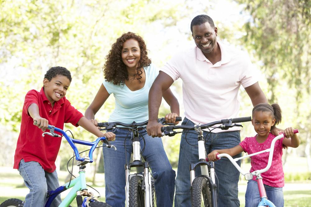 family-riding-bikes-in-atlanta